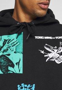 Obey Clothing - TOXIC MIND TOXIC PLANET HOODIE - Hoodie - black - 5