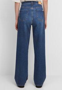 Marc O'Polo DENIM - Straight leg jeans - multi/clean cobalt dark blue - 2