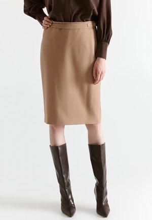Pouzdrová sukně - beige camel