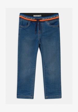 Džíny Relaxed Fit - medium blue