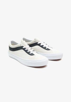 UA BOLD NI - Sneakers - white