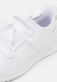 adidas Originals - PATH RUN UNISEX - Trainers - footwear white - 5