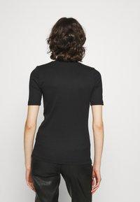 Calvin Klein Jeans - LOGO TRIM TEE - Print T-shirt - black - 2