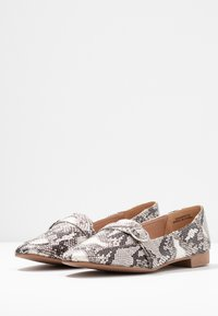 New Look Wide Fit - WIDE FIT JUCKS  - Slip-ons - stone - 4