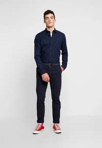 Scotch & Soda - BLAUW LIGHT WEIGHT SHIRT WITH PRINTS - Overhemd - combo - 1