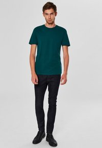 Selected Homme - SHDTHEPERFECT - T-paita - green - 1