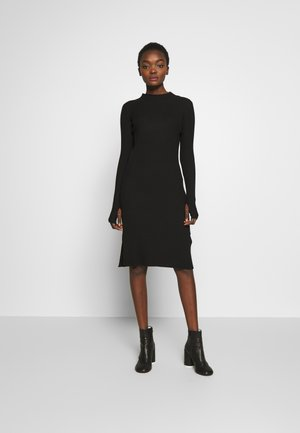 NOR DRESS - Pletené šaty - black