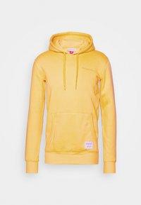 Mitchell & Ness - CLASSIC HOODIE - Huppari - yellow - 4