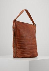 FREDsBRUDER - CHERI - Handbag - caramel - 1