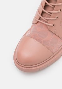 Coach - LANA BOOTIE - Lace-up ankle boots - dusty rose - 6