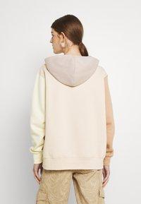 Nike Sportswear - HOODIE - Sweatshirt - pearl white - 2