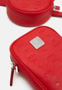 MCM - Bum bag - viva red - 8