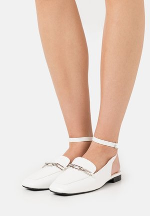 LUNA - Slippers - white
