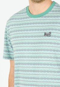 HUF - Print T-shirt - harbor grey - 3