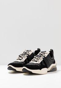 Coach - CITYSOLE RUNNER - Trainers - black/chalk - 4