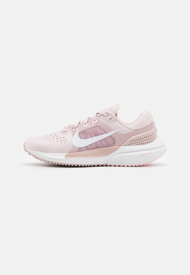 AIR ZOOM VOMERO 15 - Neutral running shoes - barely rose/white/champagne/arctic pink