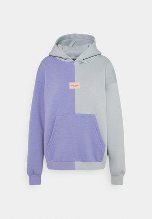 BE KIND HALF - HALF HOODIE - Sweater - violet/grey