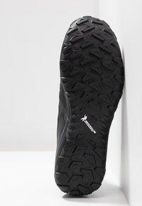 Mammut - SAENTIS KNIT LOW MEN - Hiking shoes - black/phantom - 4