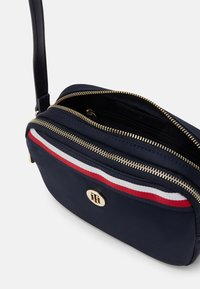 Tommy Hilfiger - POPPY CROSSOVER CORP - Borsa a tracolla - blue - 2