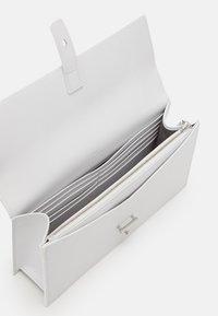 PB 0110 - Handbag - white - 3