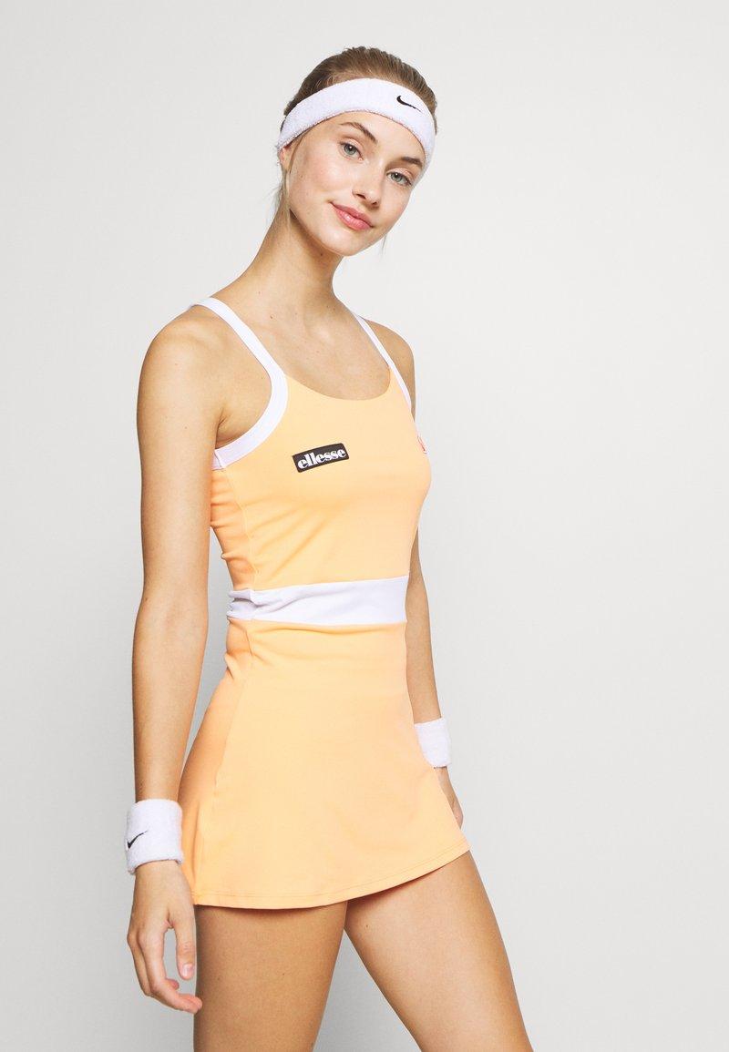 Ellesse - CHICHI - Sports dress - orange