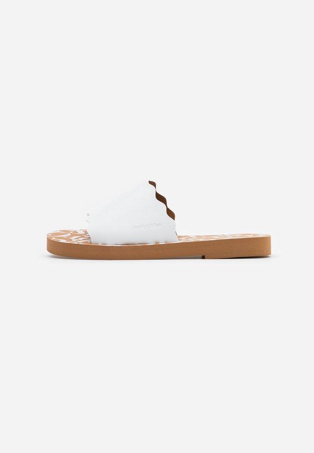 Pantofle - bianco