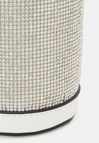 ALDO - EOWAYHAN - Borsa a tracolla - light silver - 3