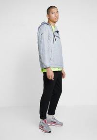 Nike Sportswear - Chaqueta de entretiempo - wolf grey - 1