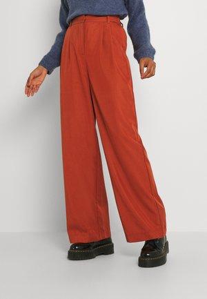 BYDAZZA PANTS - Trousers - arabian spice