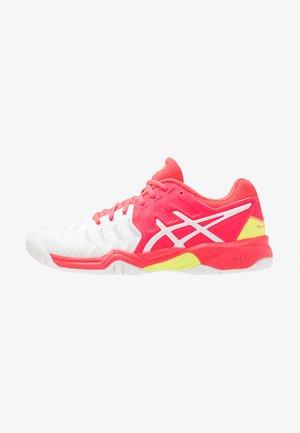 GEL-RESOLUTION 7 - Tennisschoenen voor alle ondergronden - white/laser pink