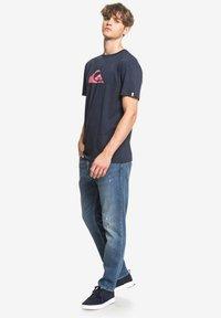 Quiksilver - COMPLOGOSS - Print T-shirt - navy - 1