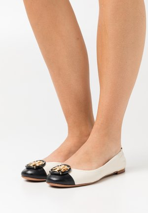 MULTI LOGO BALLET - Ballet pumps - new ivory/perfect black