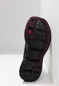 Salomon - RX SLIDE 4.0  - Walking sandals - black/potent purple - 4