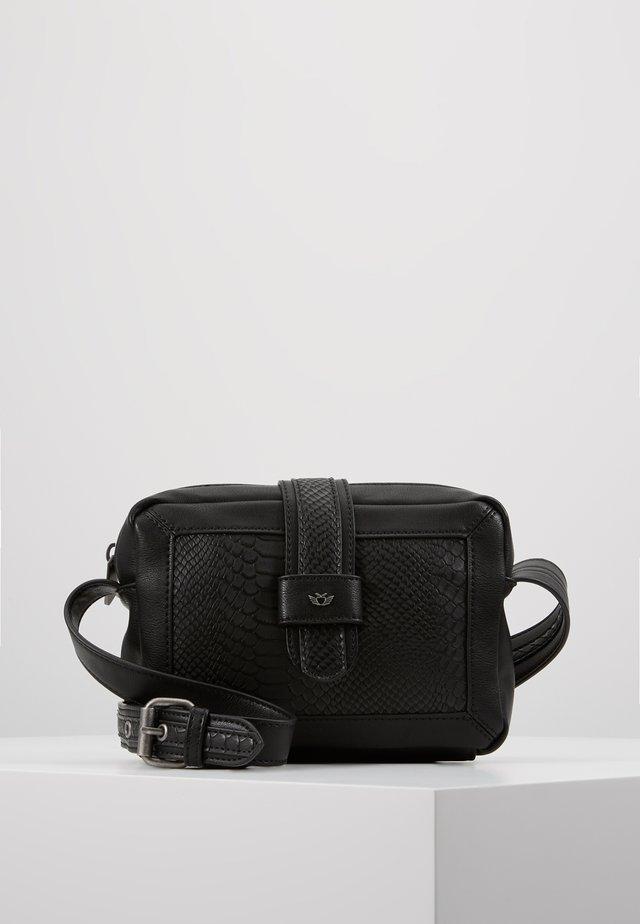 MIA - Across body bag - black