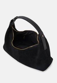 Who What Wear - MALLORY - Across body bag - black - 2