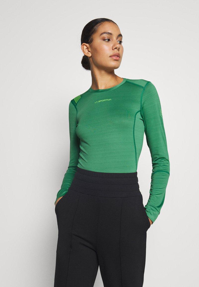 La Sportiva - DASH LONG SLEEVE - Sports shirt - grass green