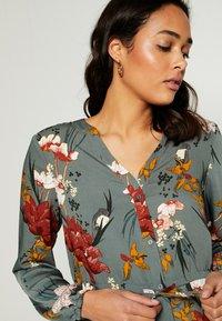 ONLY - ONLELEONORA DRESS - Day dress - balsam green/flower - 3