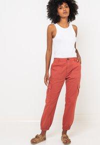 Camaïeu - Pantalon cargo - pink - 3
