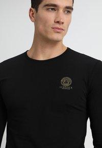 Versace - GIROCOLLO - Haut de pyjama - black - 4
