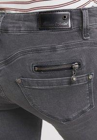 Freeman T. Porter - ALEXA - Slim fit jeans - grey denim - 4