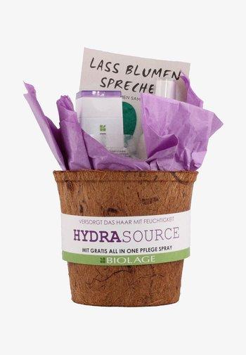 BIOLAGE HYDRASOURCE COFFRET - Hair set - -