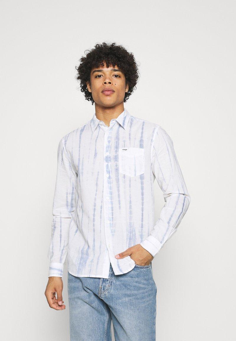 Wrangler - LS 1 PKT SHIRT - Shirt - white