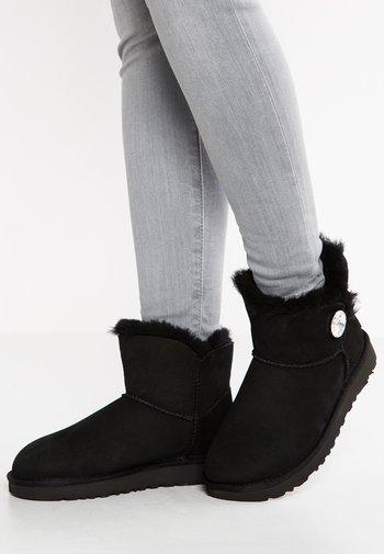 MINI BAILEY BUTTON BLING - Støvletter - black