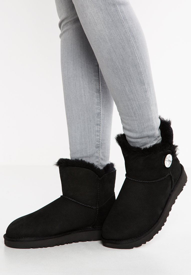 UGG - MINI BAILEY BUTTON BLING - Classic ankle boots - black