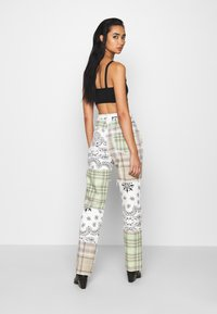 Jaded London - PATCHWORK BANDANA BOYFRIEND FIT - Jeans slim fit - multicolor - 2