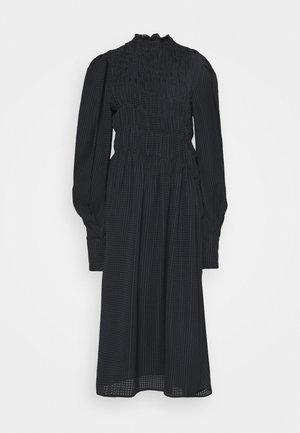 LONG SLEEVE SMOCKED MIDI - Denní šaty - black