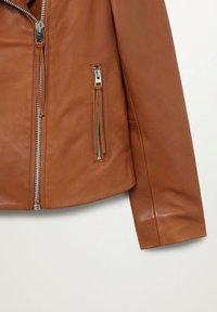 Mango - PERFECT - Veste en cuir - średni brązowy - 7
