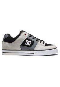 DC Shoes - PURE - Obuwie deskorolkowe - black/grey/red - 4