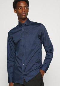 Jack & Jones PREMIUM - JPRBLAROYAL - Kostymskjorta - navy blazer - 3