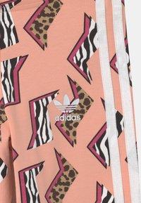 adidas Originals - ANIMAL PRINT  - Leggings - glow pink/multicolor/white - 2